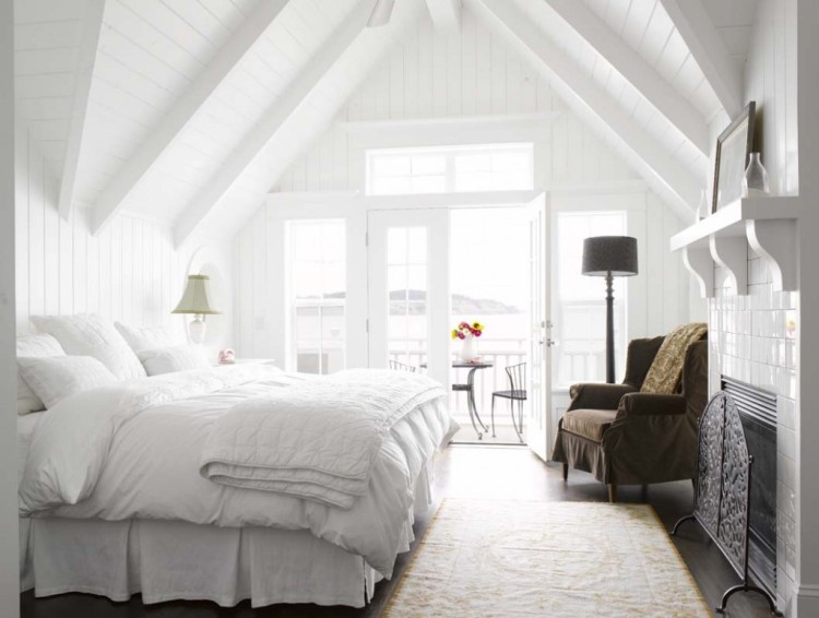 white-bedroom-inspirations-sprinkle-different-colors-1024x774