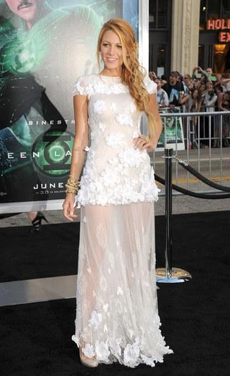 fashion-2014-05-blake-lively-green-lantern-premiere-white-chanel-couture-gown-main