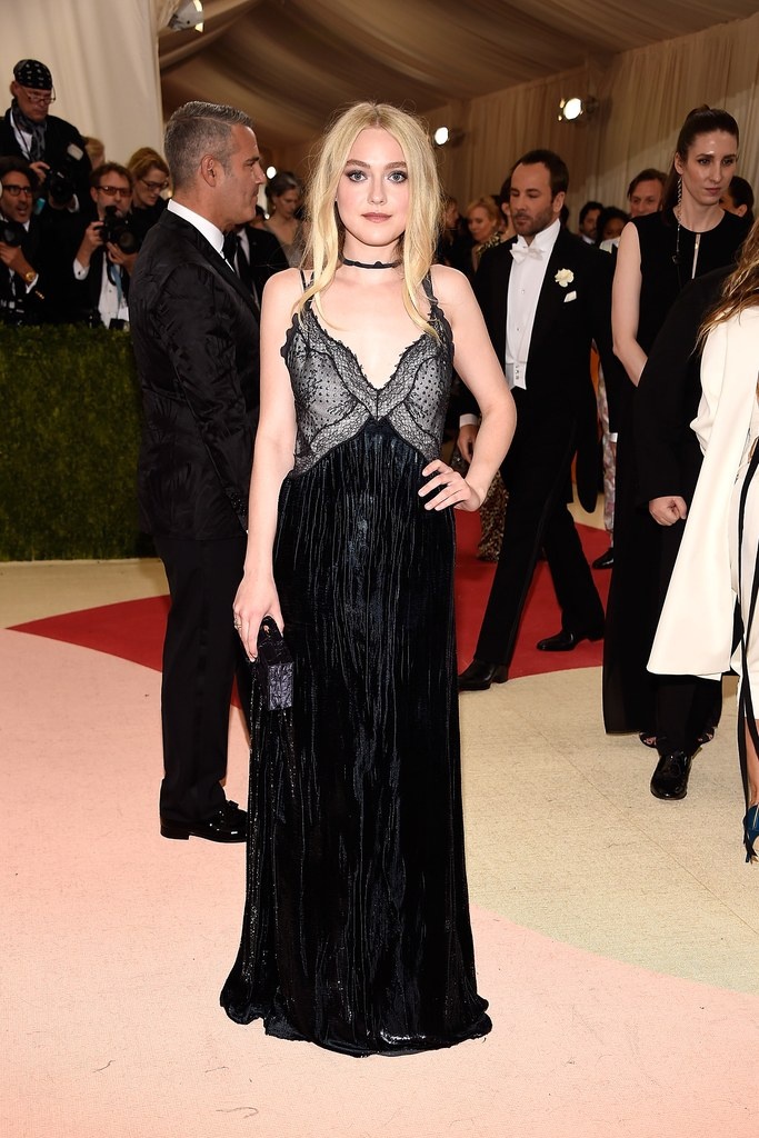 met-gala-2016-getty-dakota-fanning