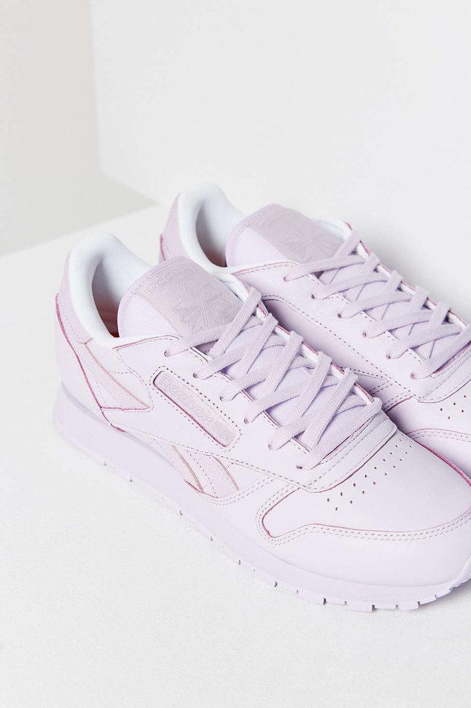monochromatic-tonal-sneakers