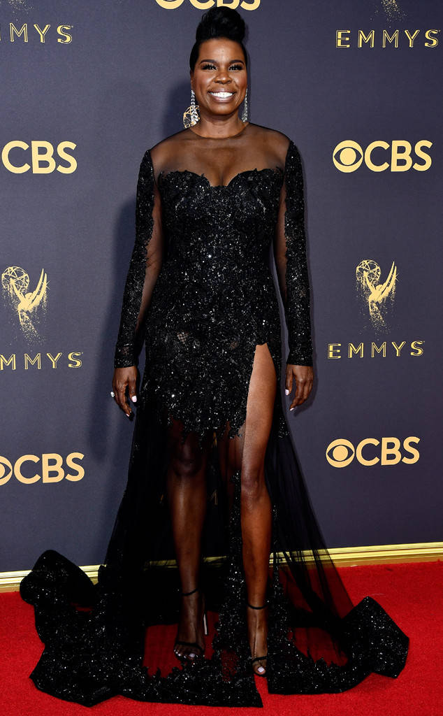 rs_634x1024-170917164132-634-emmy-awards-arrivals-2017-leslie-jones